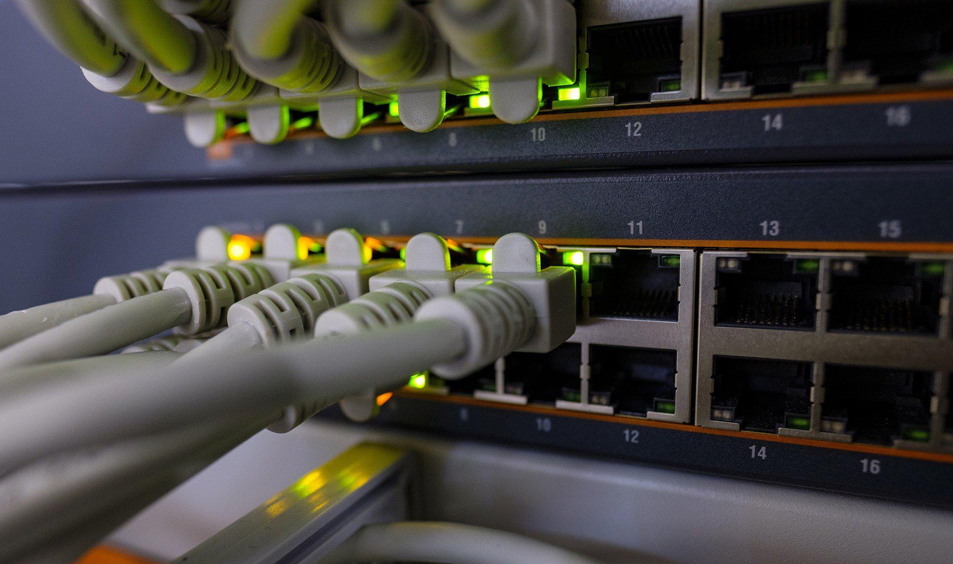 netzwerktechnikEE791D66-E507-528E-2AD5-C3B68CB39ADA.jpg